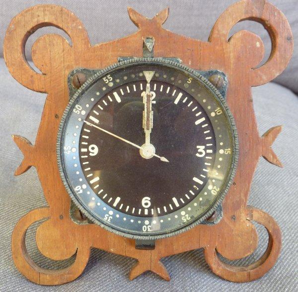 Une montre est venue s'ajouter aux instruments du Stuka....Merci Phil....