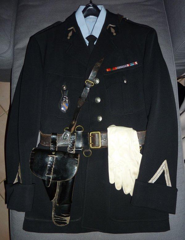 Historique succint d'un gendarme Français, Serge Gillotin. Merci a son fils...