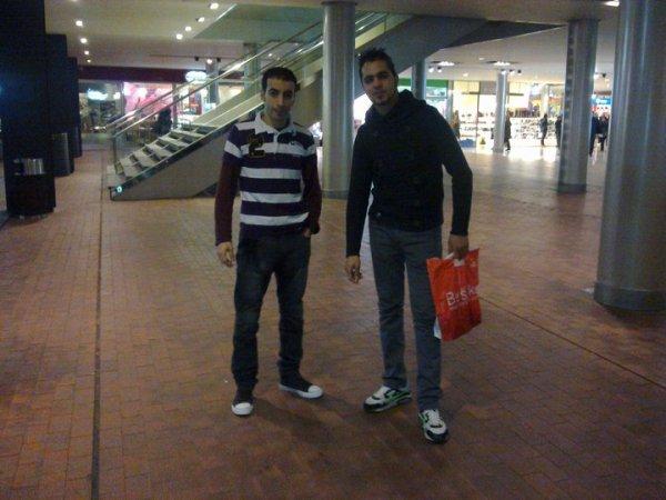 Amb Cheb Mounir aL centre ComeriaL MaremagNum