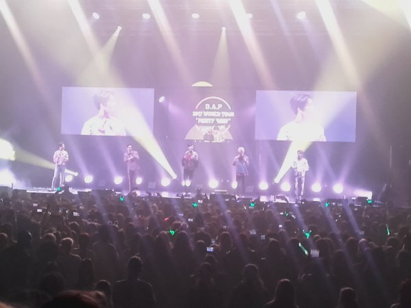 B.A.P Party Baby World Tour 2017 ~ Paris Boom (03.05.2017)