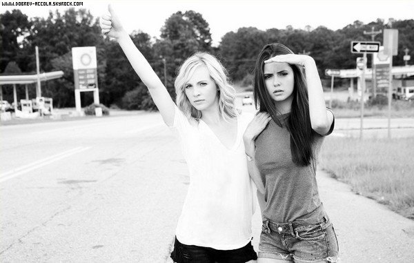 ♥Nina Drobev And Candice Accola Photo's Funny