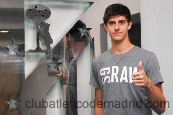 Courtois Atletico Madird'e Kiralandı