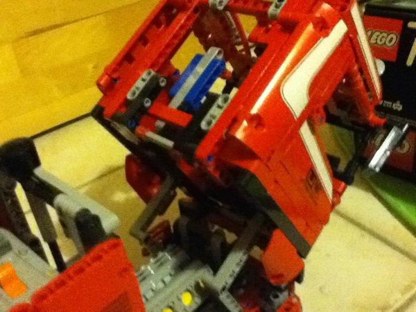 mon camion grue lego technic!