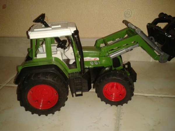 new->>fendt favorit 926