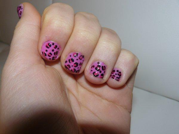 nail art léopard bicolore ^^