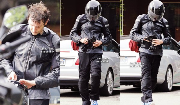 | Candids - 11.07 : Bradley quittant la salle de sport à West Hollywood
