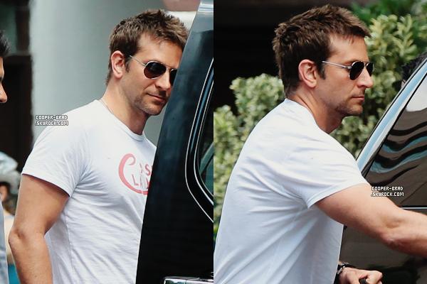 | Candids - 17.08 : Bradley qui son hôtel à New York