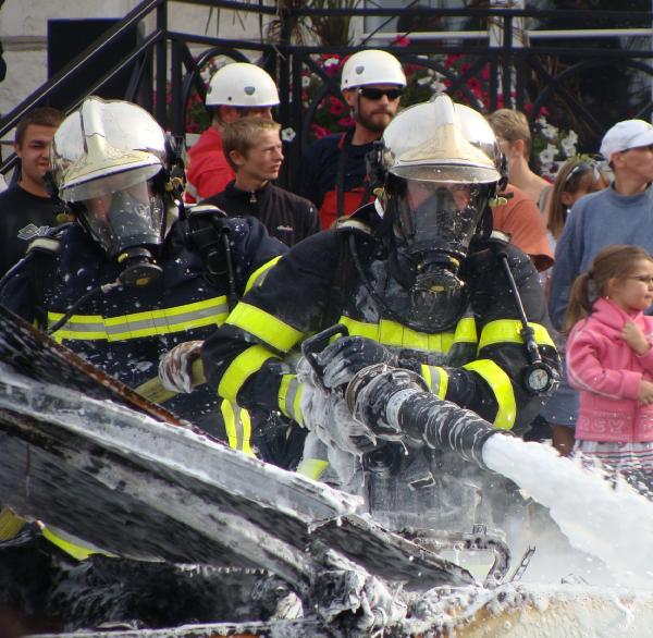 moi au congres departementale des sapeurs pompiers (feux de VL)