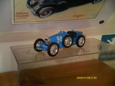 Collection de miniatures Bugatti (3).
