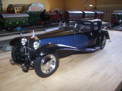 Collection de miniatures Bugatti (5).