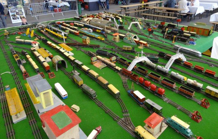 Salon du Train 2017 à Maubeuge (2) : Le grand réseau de trains-jouets anciens