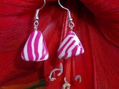 boucles berlingot rose et blanc en fimo