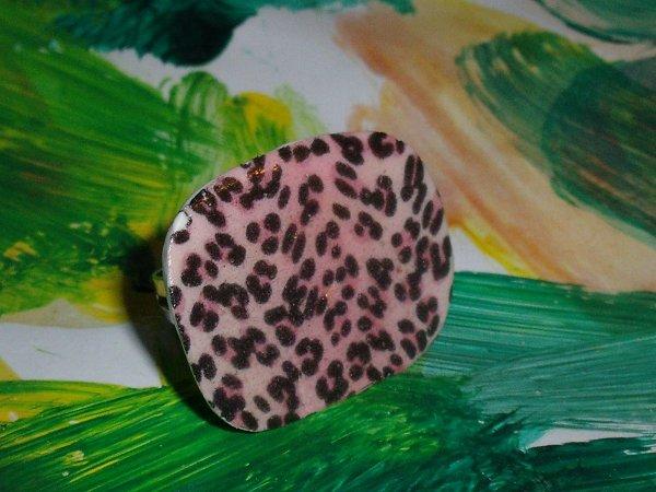 bague léopard rose