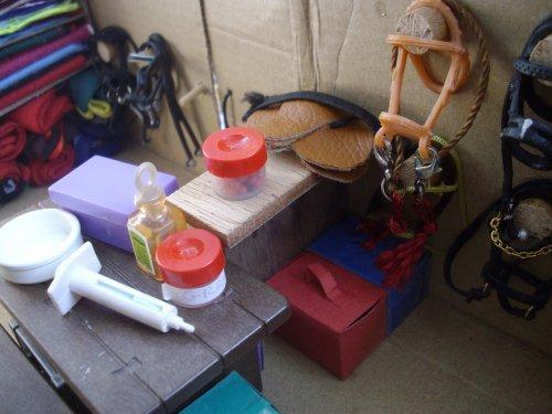 créa' pour falabella et équipement de balade, et aménagement de la sellerie (ou rangement ... )
