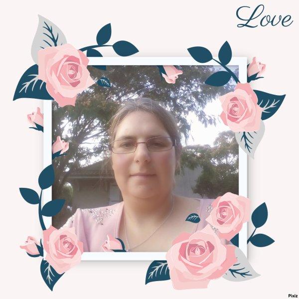 Polaroid emmêlé dans les roses