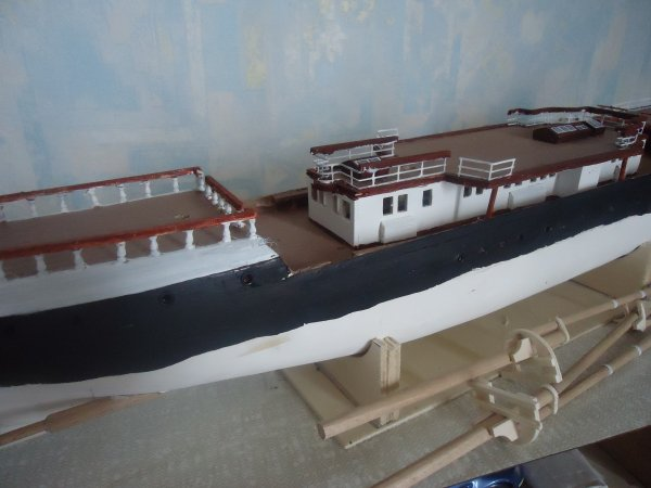 le chantier naval continue