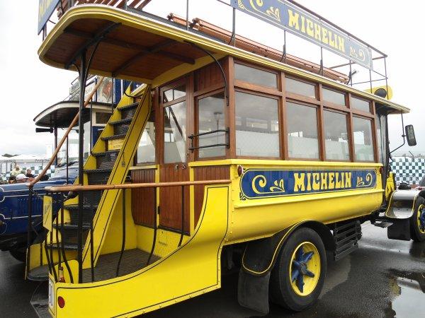 Le Mans Classic c'est aussi des vieux Bus
