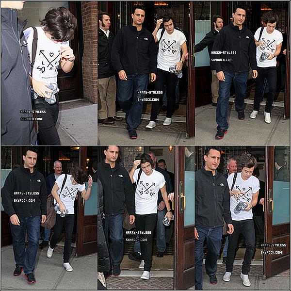 __ 07/12/12 : One Direction ont été aperçus arrivant aux SIR Studios pour répeter, dans New York..