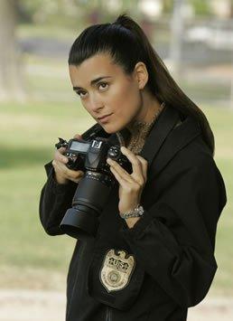 Et maintenant au tour de notre magnifique israëlienne ♥. L'Agent Spécial Ziva David ! ♥.