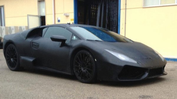 "Future Lamborghini ""Cabrera"" : premières photos."