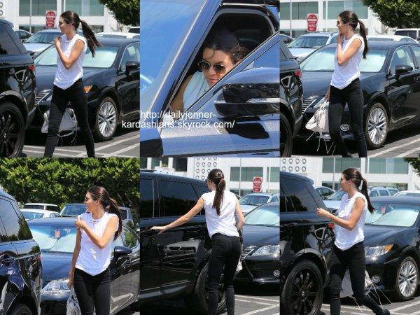 30 juillet 2014: Kendall a été vue alors qu'elle quittait Fred Segal