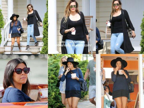 7 août 2014: Kourtney et Khloe ont été vues dans les Hamptons