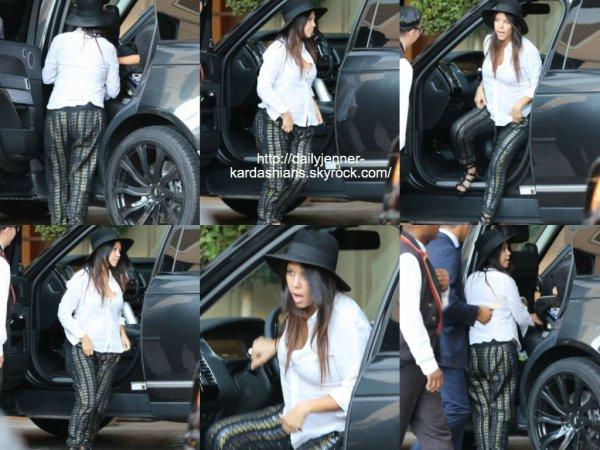 18 août 2014: Kourtney a été vue alors qu'elle arrivait à l'hôtel Montage dans Beverly Hills
