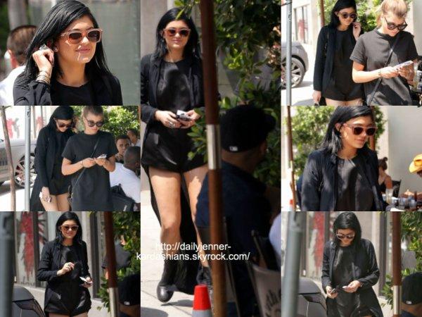 19 août 2014: Kylie a été aperçue au Urth Caffe dans West Hollywood