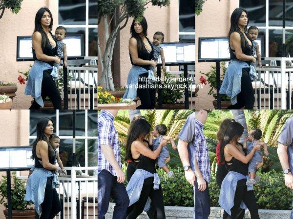 22 août 2014: Kim et North ont été vue alors qu'elles quittaient à leur hôtel à San Diego