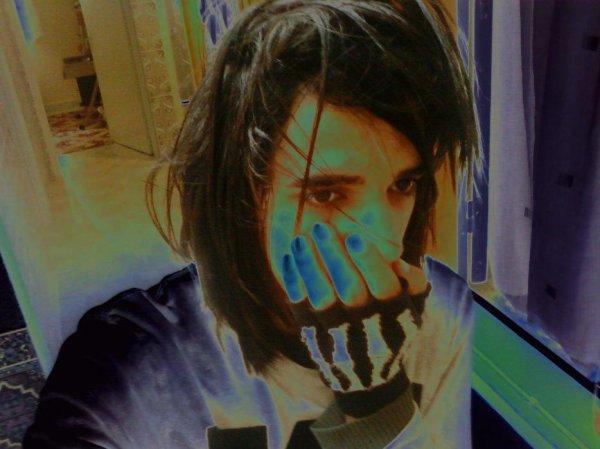 y'AnEx  † Sad £mÖ Boy †