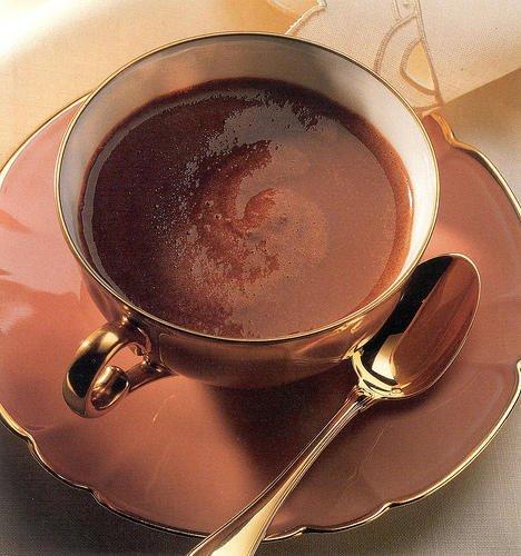 « Chaque jour, je mange les quatre éléments nutritifs indispensables à la santé : du chocolat au lait, du chocolat noir, du chocolat blanc et du cacao. » de Debra Tracy