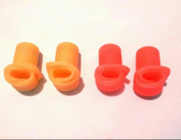 Vend paire de gant silicone nouveau model dispo de suite tout type de coq