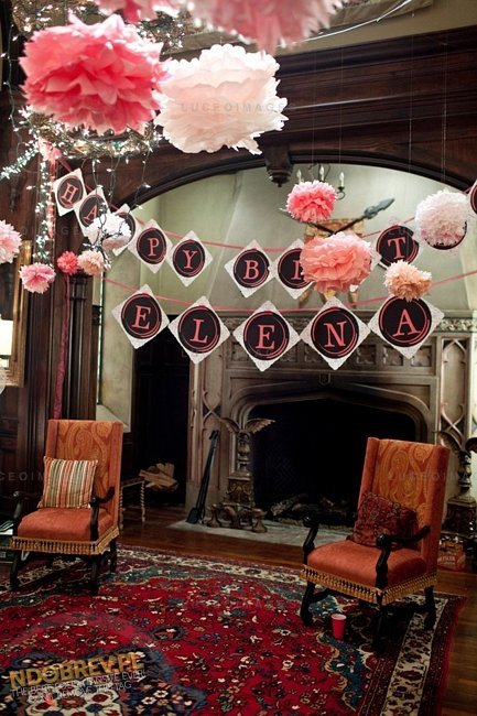 photo de la saison 3 de vampire diaries , l'épisode ou elena fête son anniversaires  !