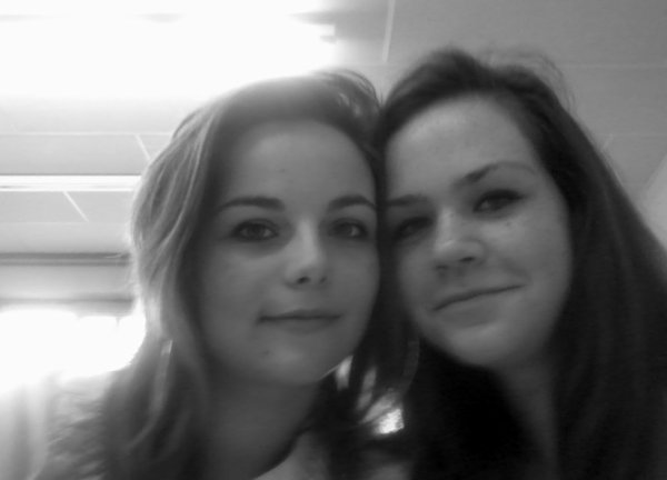 Plus que une meilleure amie, plus qu'une soeur, ca devient quoi alors?? L' I.N.D.S.P.E.N.S.A.B.L.E moi j'dit :)♥