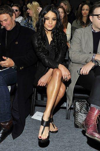 ♥♥ Vanessa à la présentation automne - hiver de Yigal Azrouel à New York // Le 16 février 2011
