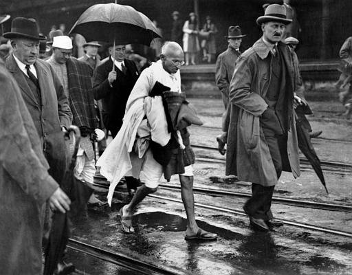 """Citation de Gandhi : extrait des """"Lettres à l'Ashram"""""""