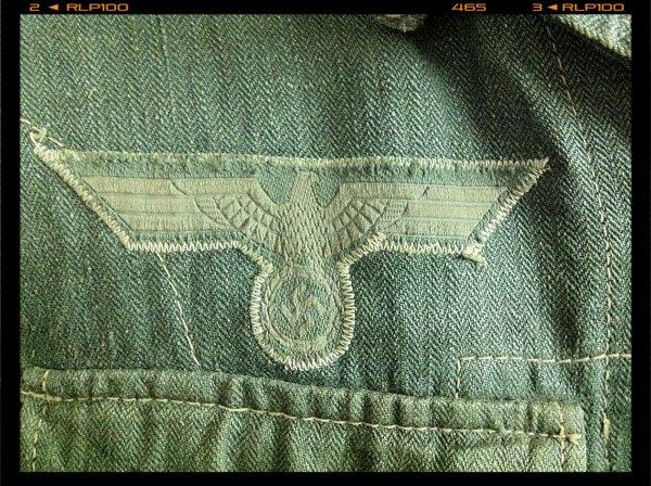 détails d'une veste drillich
