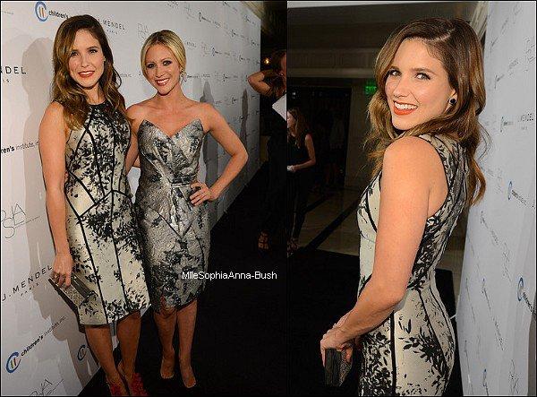 -17/10 : Sophia était au défilé J.Mendel en compagnie de son amie Brittany.  -