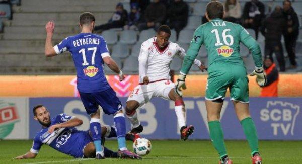 15e journée Ligue 1: 1ere mi-temps (bastia 0 - 0 bordeaux)  bordeaux laisse trop le ballon a bastia.