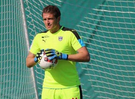 Cédric Carrasso finalement titulaire ?