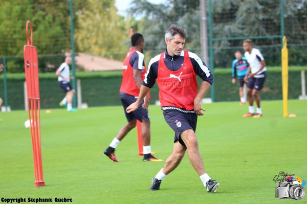 Les mots du coach Gourvennec sur l'intégration des jeunes à la prépa et sur Jérémy Toulalan en défense