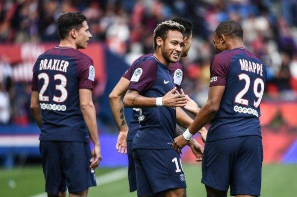 PSG : Penalty pour le PSG, Neymar le tire...et le marque