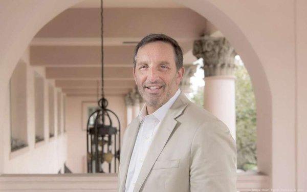 Girondins de Bordeaux: «Les fonds d'investissement, c'est un coup de poker», prévient l'économiste Pierre Rondeau