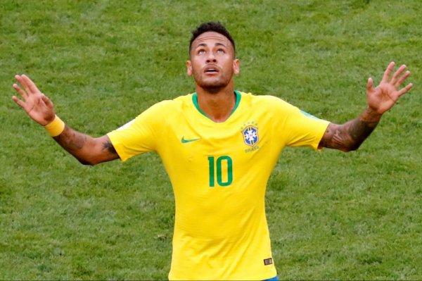 CM 2018 - Huitièmes Neymar envoie le Brésil en quarts de finale de la Coupe du monde face à un séduisant Mexique