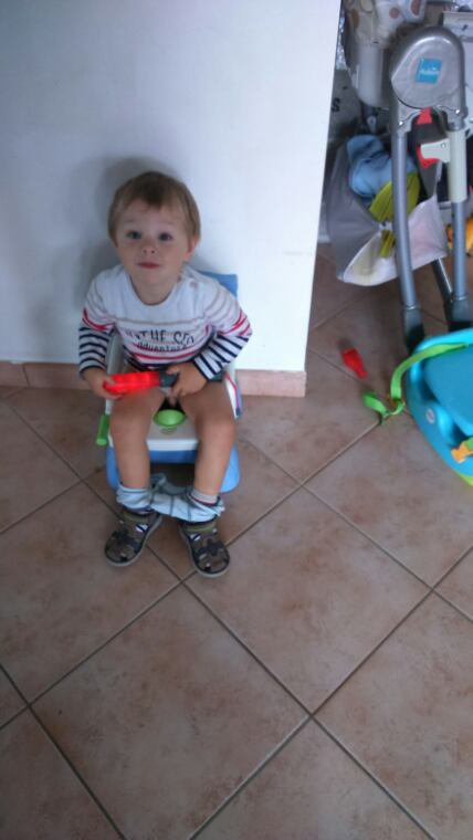 premier caca au pot pour mon fils fi 232 re esp 233 rant que 231 a continue pour qu il soit propre pour