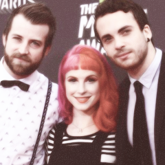 Paramore / (One of Those) Crazy Girls (2013)