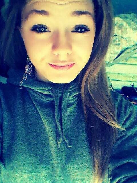 Ferme les yeux & le monde est celui que tu veux. ♥