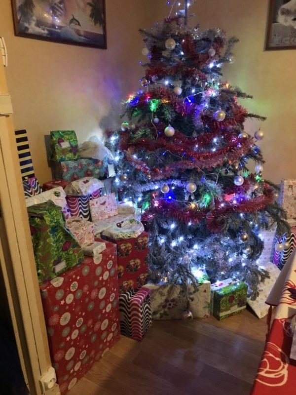 sapin 2017 avec les cadeaux