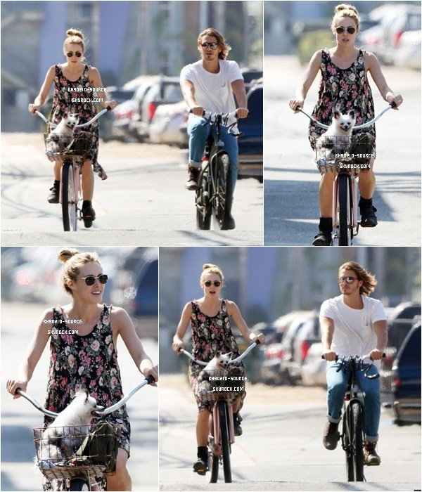 22 août : Gillian rides her bikeToujours accompagne de son chéri ♥