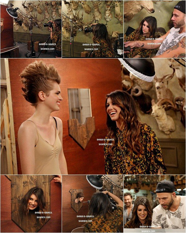 août :  Shenae Grimes at America's Next Top Model – Cycle 19 – 'The Girl Who Cries Home'Shenae se prend au jeu du photographe de mode